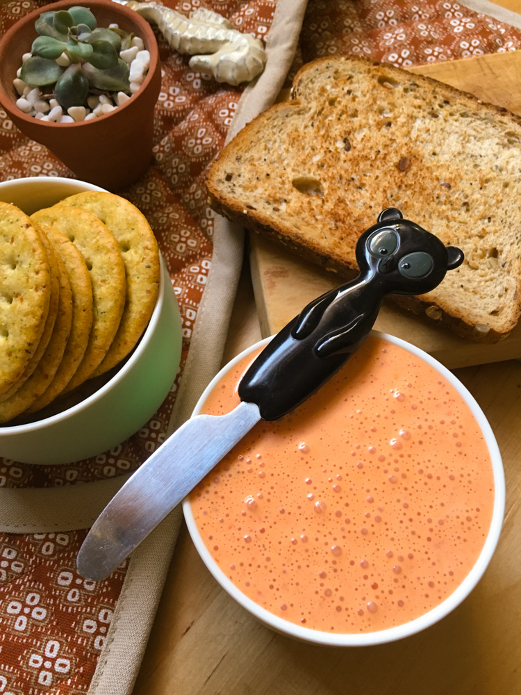 Yo utilicé la mitad de mi queso como salsa de pasta, que siempre es una buena idea