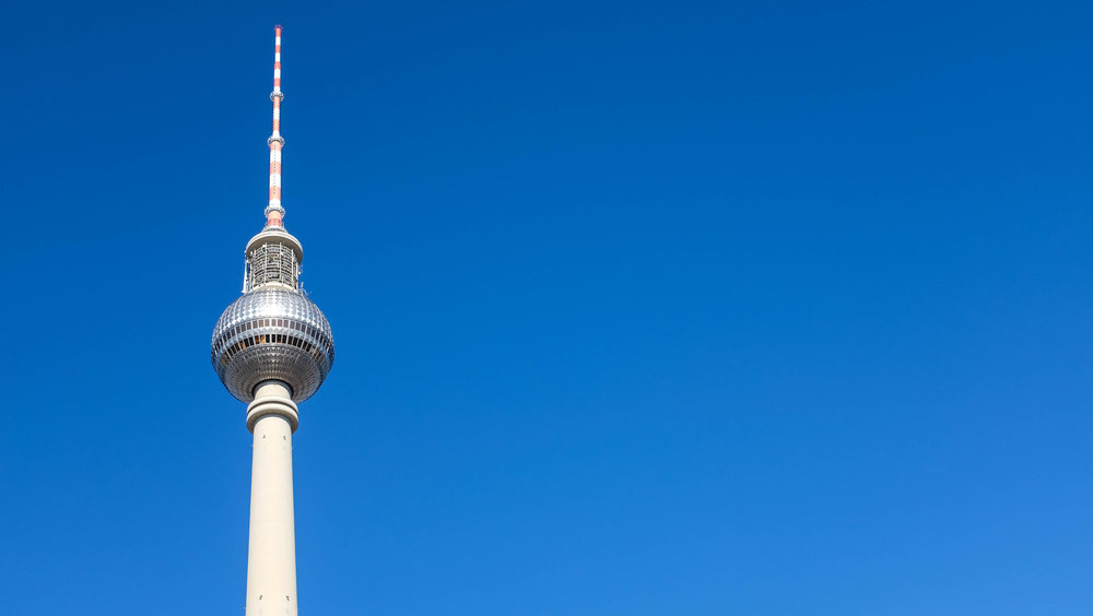 Berliner Fernsehturm (TV tower with observation deck)