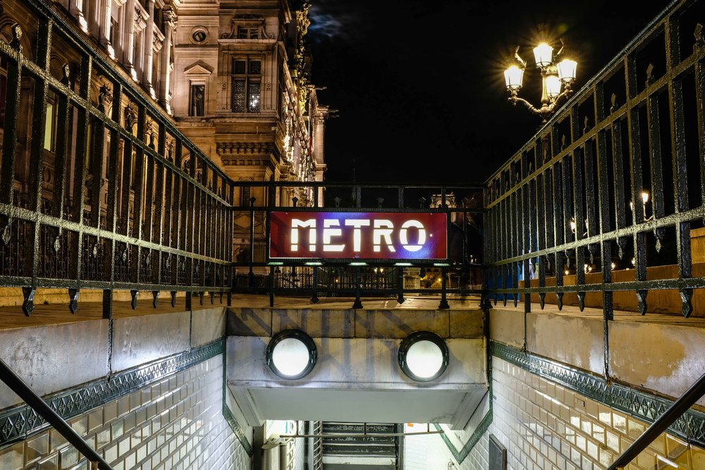 Vintage metro entrance. Time to head home.
