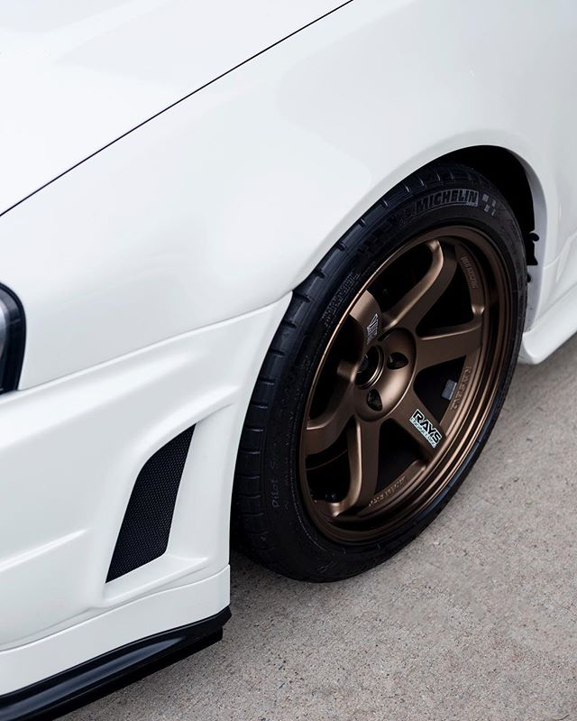 The bronze TE37 is one of the most timeless wheels ever.