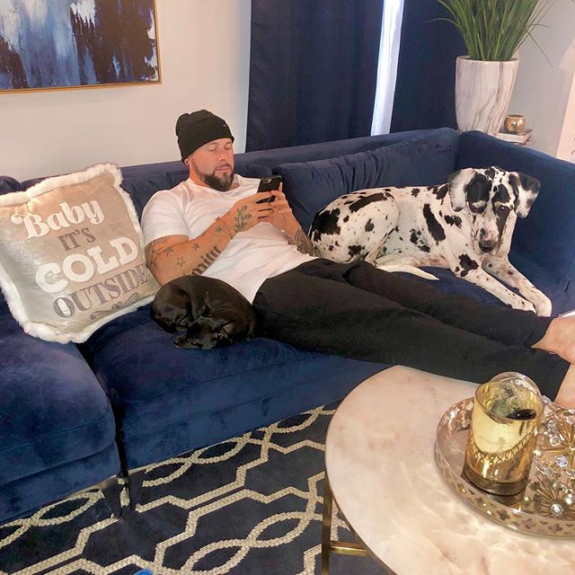 """""""Baby, it's cold outside"""" Thunk I'll just stay in and stay cozy with the puppies. BTW, This is a futuristic pic of me posting this pic. #1st1ever"""