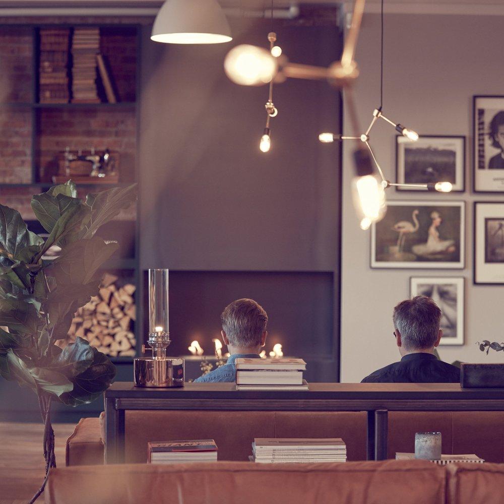 Nääs Fabriker - Från 2016 utvecklas Nääs Fabriker i flera etapper med 24 nya hotellrum, terass, badhus, konferenser, banketter, lobby och co-working ytor för företagare att arbeta i. Independent har varit med hela vägen tillsammans med arkitekt genom modellen Independering med syfte att fatta rätt investeringsbeslut mot vision och koncept. Över tid har vi kostnadsstyrt, samordnat och upphandlat all lös- och specialinredning. Projektet har varit ett konstant fokus med högsta möjliga resultat för beställaren, och till slut gästen och Nääs Fabriker som en destination.Arkitekt: Henrik ShultzFotograf: Kim Larsson