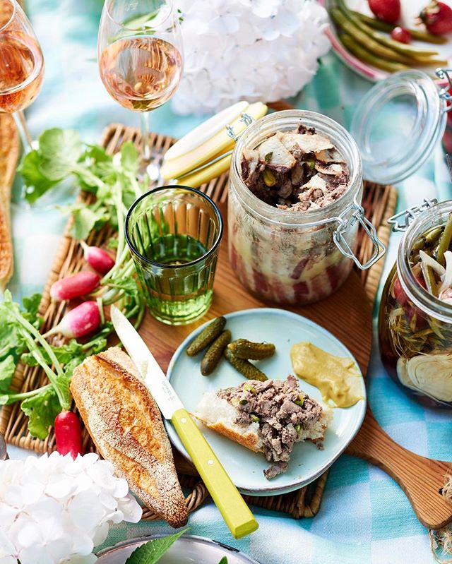This beautiful French picnic story is in the current issue of @cuisinemagazine. Worked on this beauty with the dream team. Food and recipes by @oliviandrews and props and styling by @berni_smithies. 🍾🍴🥖🇫🇷🙂 #cuisinemagazine #frenchpicnic