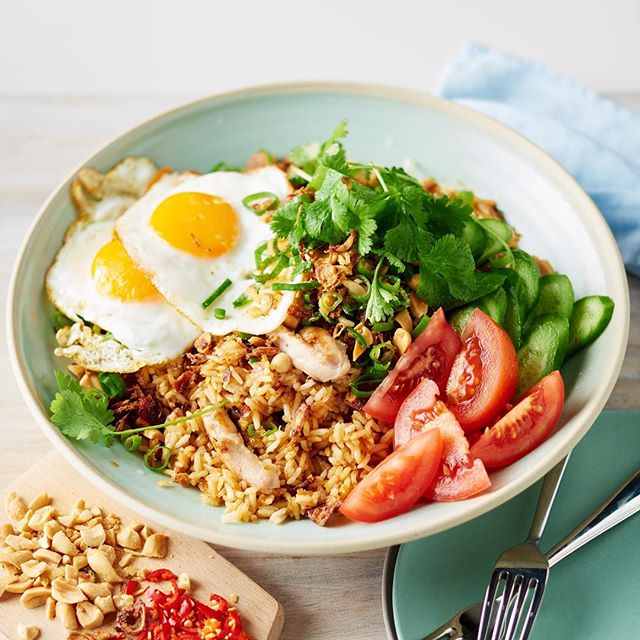 Delicious nasi goreng for a little book that I shot with @lucytweedstylist for Westinghouse. 🍚🍴