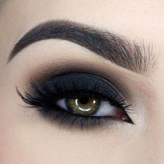 Too Faced Licorice, Truffle, and Puddin' Dramatic Dark Shadow by  @MiaMauve
