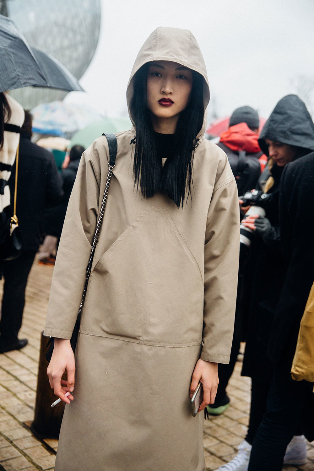cocaine-nd-caviar: marieahh: Jing Wen at PFW FW16 by Melodie Jeng Follow cocaine-nd-caviar for daily fashion posts.