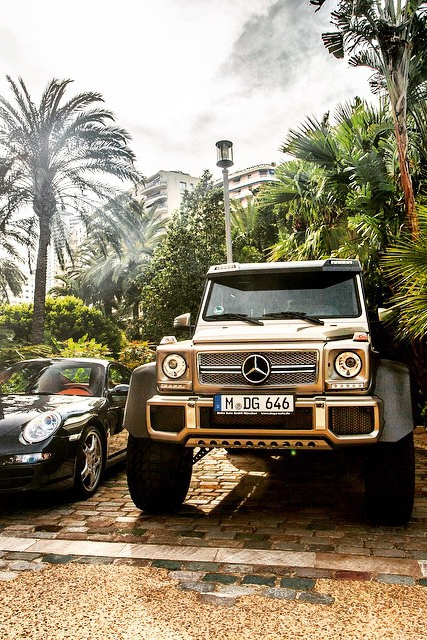 themanliness: Mercedes 6x6  Source   Facebook   Instagram