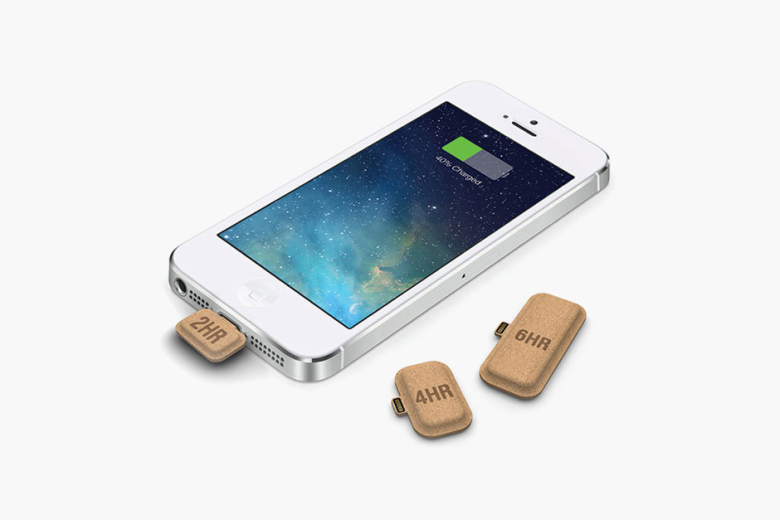 billidollarbaby: Recyclable and Rechargeable: Mini Power Cardboard Batteries Juice Your Phone On-The-Go