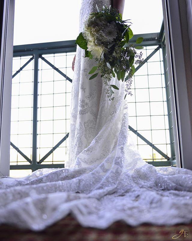 Succulence :: Elegance from today's amazing wedding at Barona Casino! ❤️ #sandiegoweddings #baronacasino #barona #weddingday #weddingphotography #GoldeneyePhotography #flawless #dress #weddingdress #sayyestothedress #dresstodiefor #succulence #flowers #beauty #Bride #nofilter #balcony #nikon #nikonpros #D610 #GoldeneyePhotography #photography #vsco #vscophile #vscocam #sandiegowedding #vintage #vintagestyle #vintagefashion #lace #fashion