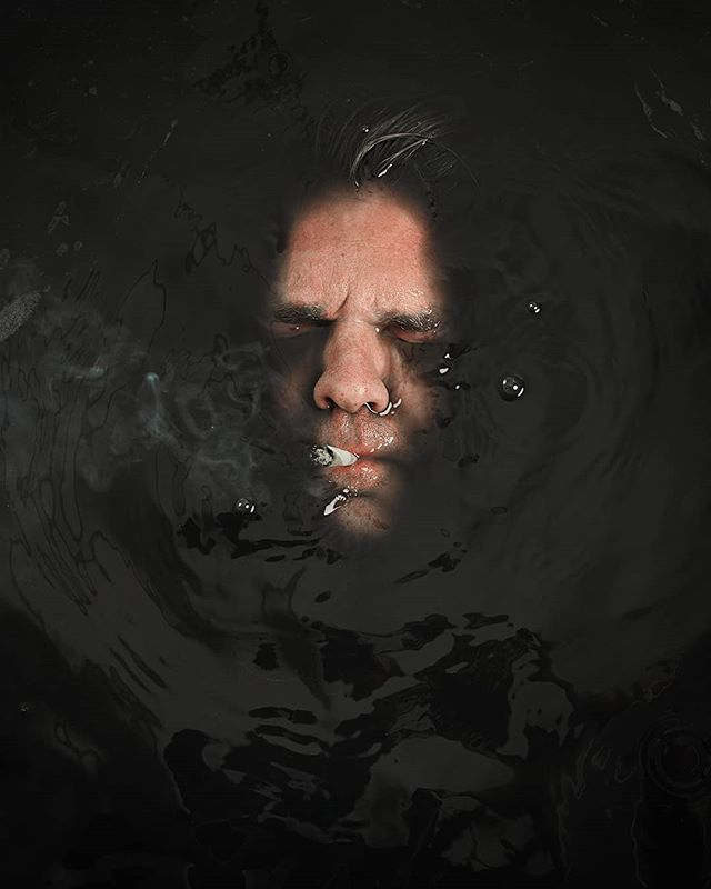 I'm trying to create a more consistent feel in my instagram feed. So expect updates in the future with new and older work. This is an old one (2016). . Other work can be found here @verwoordinbeeld (Mostly Dutch). . #portrait #portraitmood #conceptual #conceptart #dark #moody #water #black #mamiya