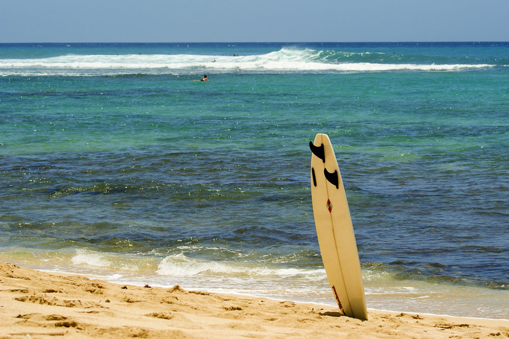 Abandoned_Surfboard.jpg