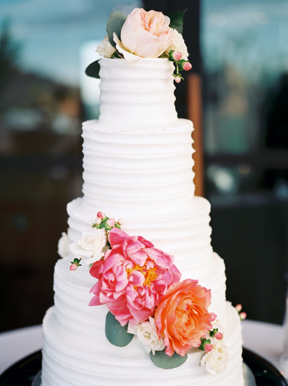wedding cake, tiered wedding cake, classic wedding cake, white wedding cake, cake flowers