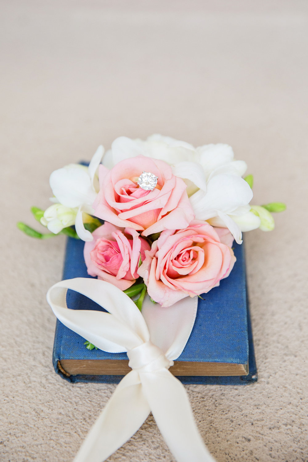 Arizona wedding, Camelback Mountain wedding, pink flowers, wedding prayer book, wedding details, bridal ring, wedding ring