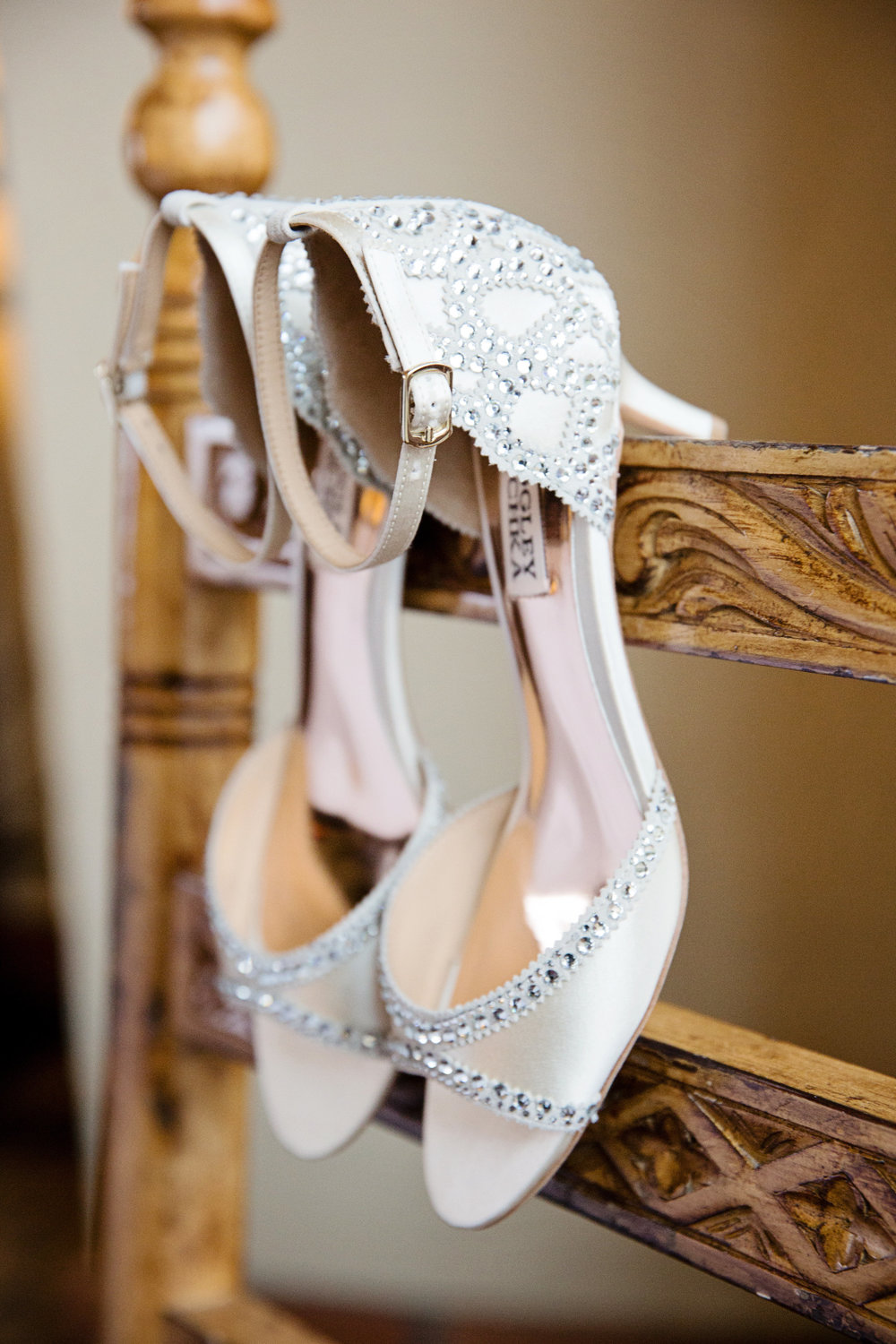 Arizona wedding, Camelback Mountain wedding, pink flowers, wedding details, wedding shoes