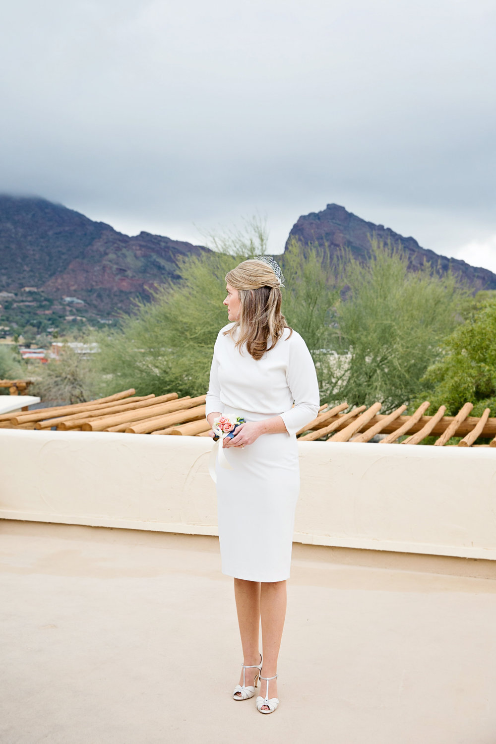 bridal getting ready, wedding details, bridal details, Camelback Mountain, southwestern Parisian wedding