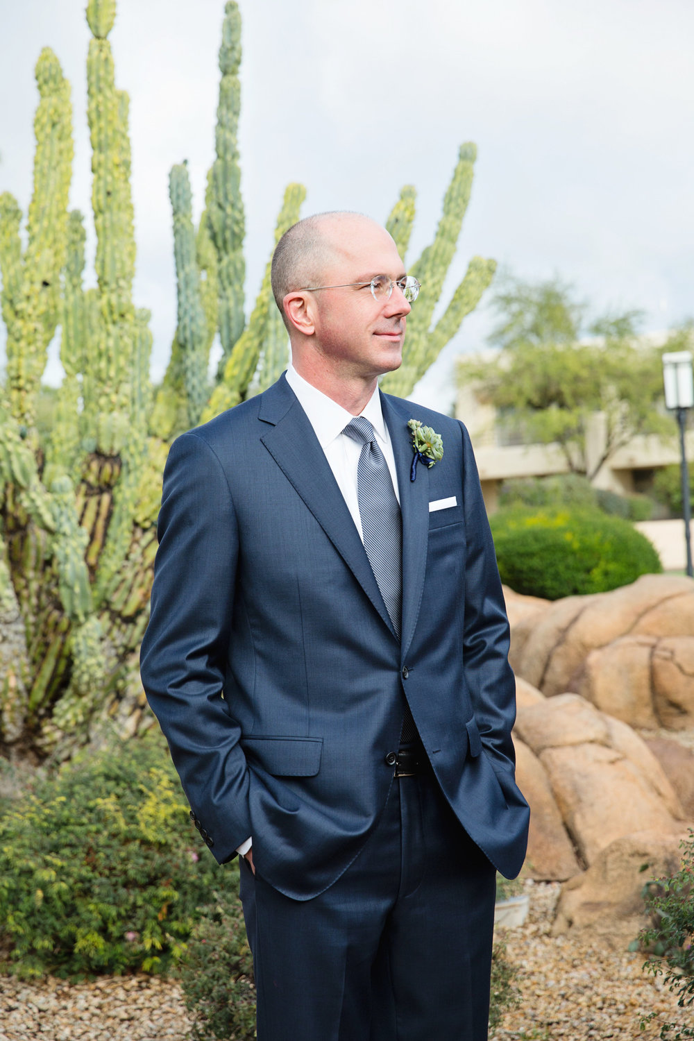 Arizona wedding, Camelback Mountain wedding, pink flowers, wedding details, groom, groom moment, first look