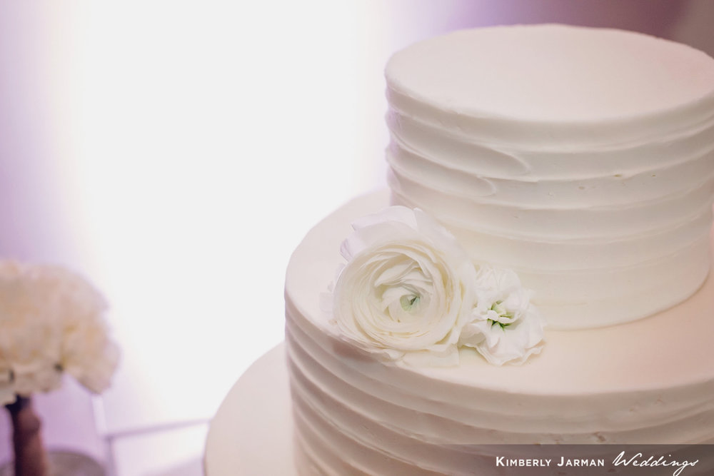 Classic, elegant wedding, white and gold wedding, white wedding cake