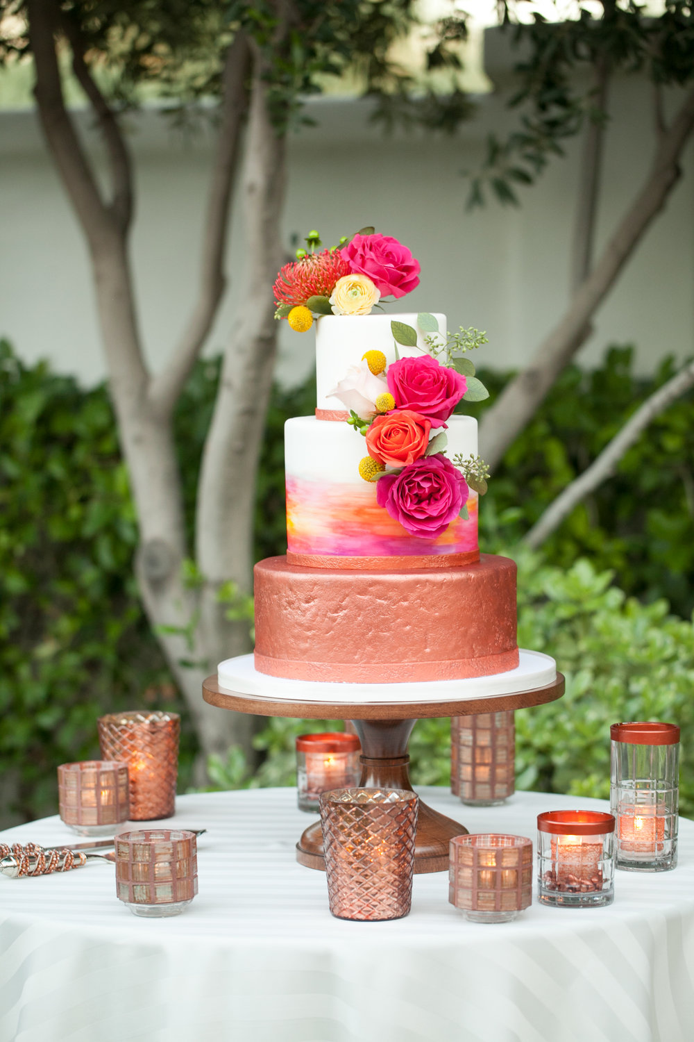 arizona desert wedding copper wedding cake fuchsia wedding cake el chorro wedding planner