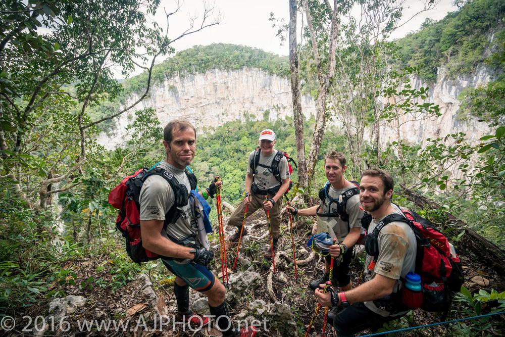 NoHoch Chen sinkhole overlook