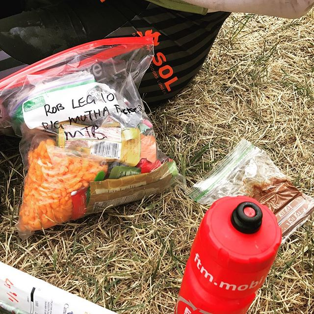 #feedyourmachine #bigmuthafuckermtb #leg10 @rob_preston @feedthemachine_com @adventure_enablers #cheetos