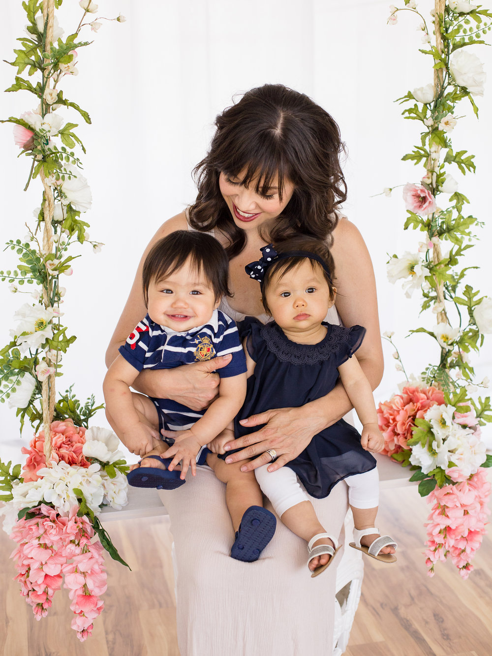 Kamila & twins Mommy & Me floral swing