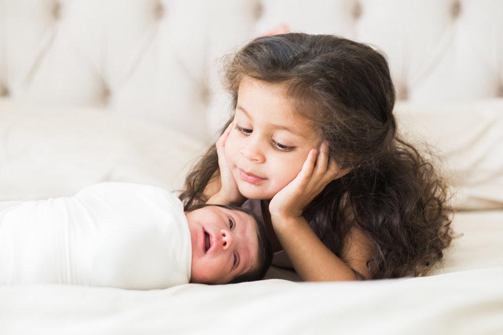 lifestyle newborn session irvine newport beach sister siblings