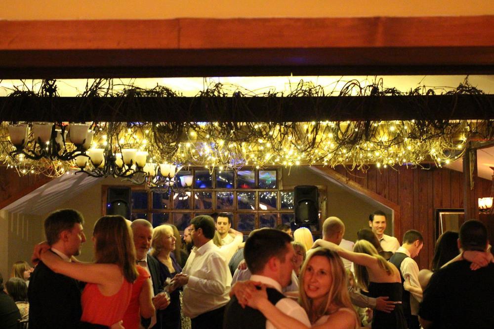Stroudsmore Inn Wedding.jpg