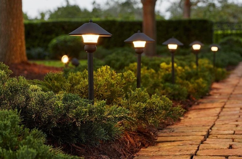 Hampton-Bay-Low-Voltage-Bronze-Outdoor-Integrated-LED-Light-Kit-e1502753329671.jpg