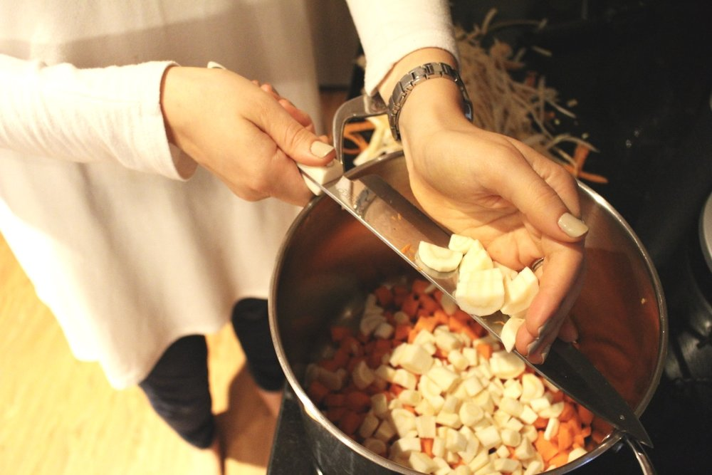 MEATBALL SOUP / paleo / pastured beef bone broth / family dinner / easy dinner