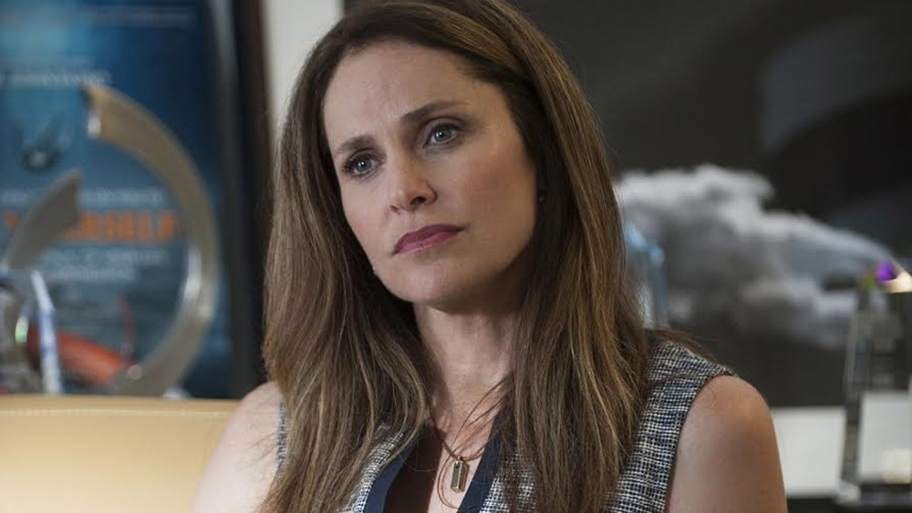 Amy Brenneman as Laurie Garvey