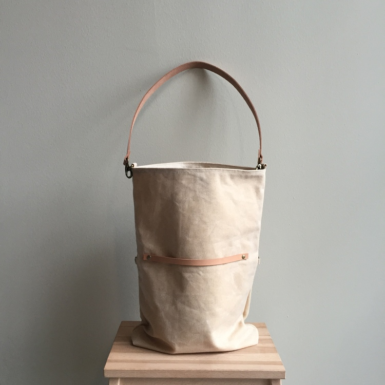 530b22148046 Waxed Canvas Travel Tote Crossbody Tote - Natural. 115.00. sold out. 013.JPG