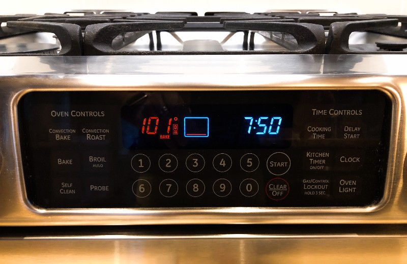 Electronic timers and complete oven control on this simple-to-use color touch display.