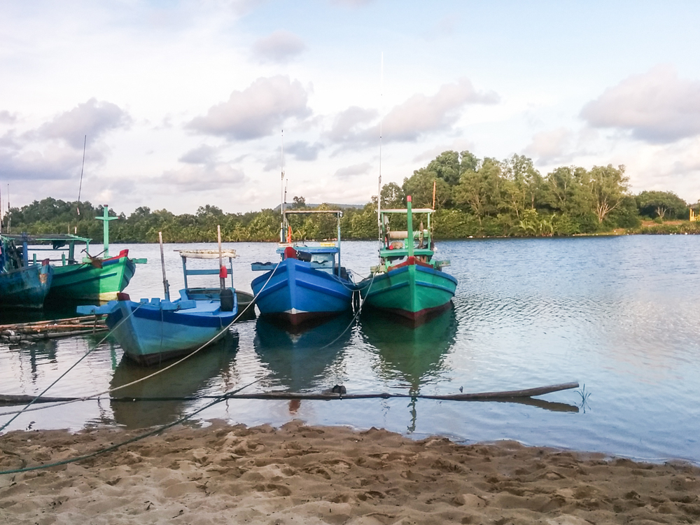 boats in Cua Can village