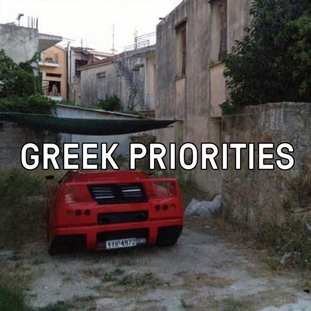 Sportscars & souvlakis. We have to say Greek's sure know how to live! 🚗 #greekmeme #sportscar #doitlikethegreekdo #souvlaki #yasouv #melbourne #streetfood