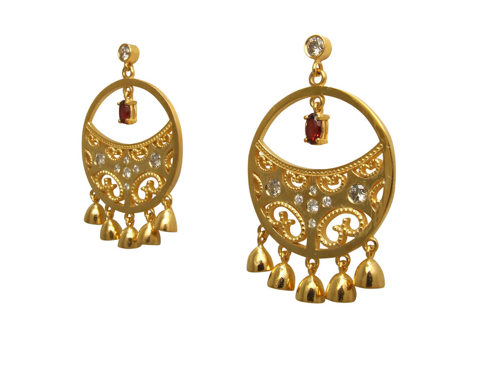 22k Yellow gold Indian inspired earrings with Diamonds and Garnet