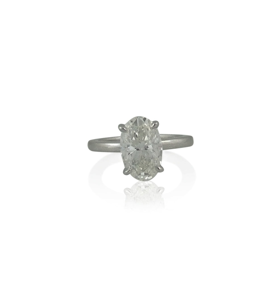 1.5 ct Oval diamond solitaire