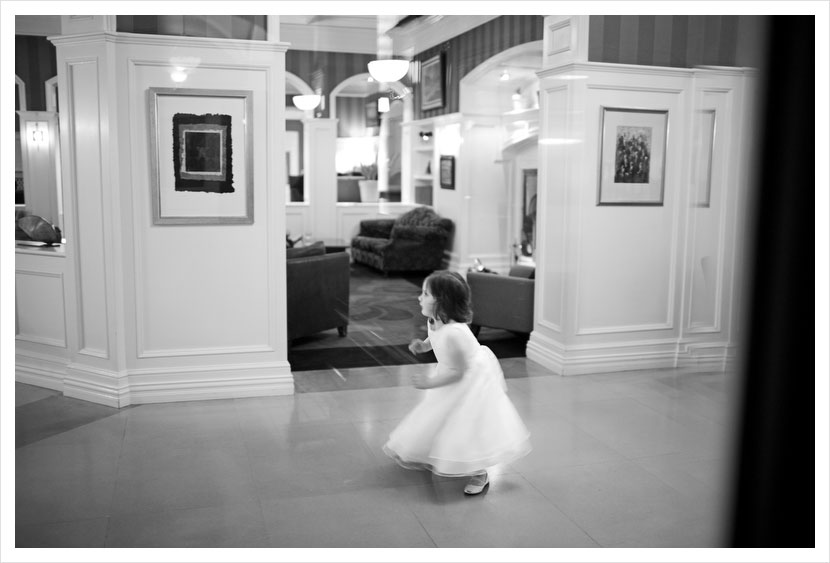 kids-being-kids-wedding-photojournalism.jpg