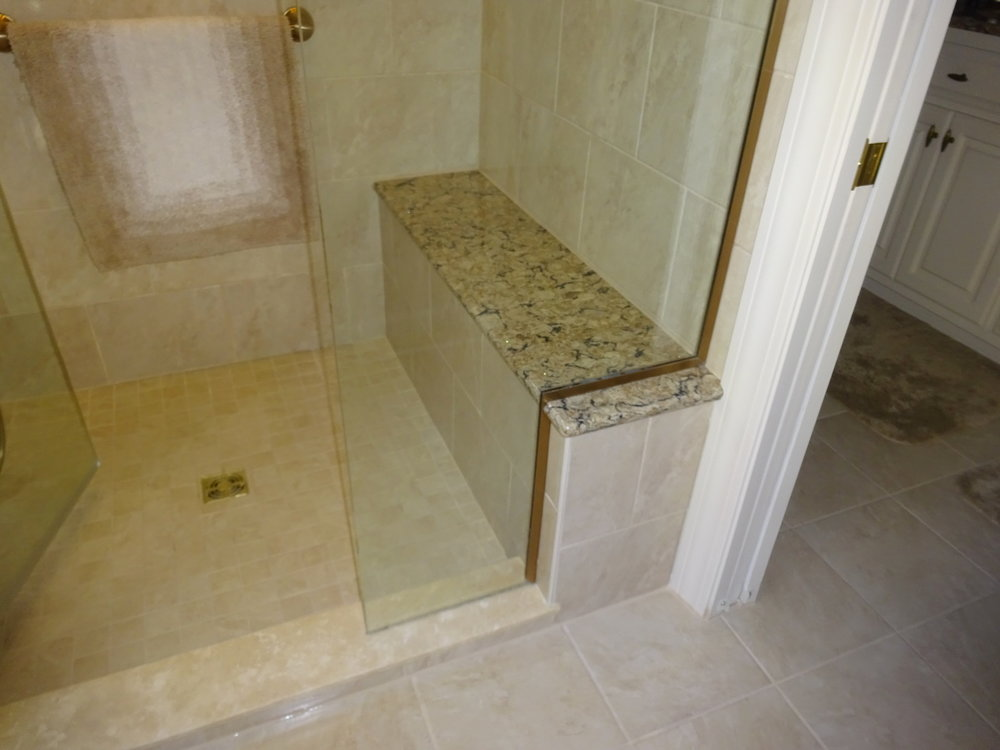 Shower Bench  (2).JPG
