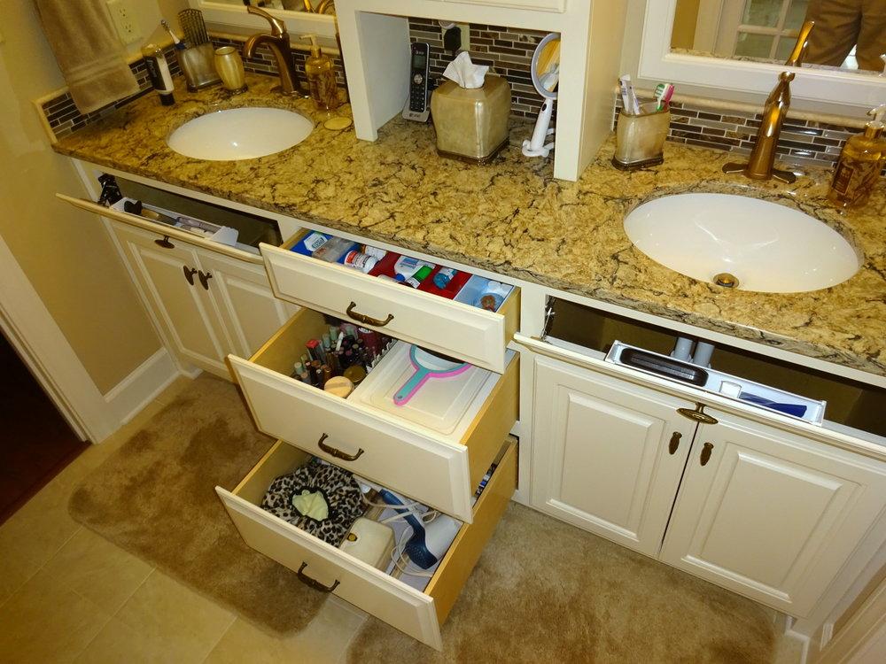 Vanity Storage (1).JPG