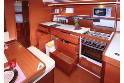 dufour450-grand-large-8.jpg