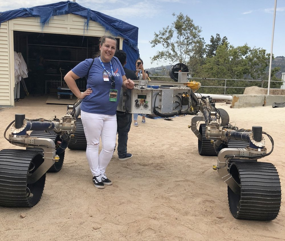Mina meeting Curiosity in the Mars Yard.
