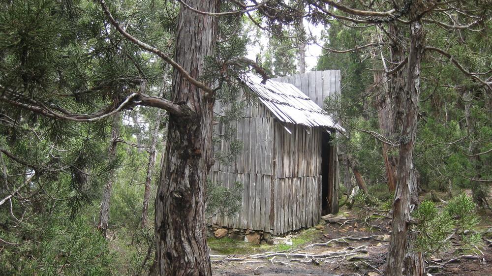 balls lake hut