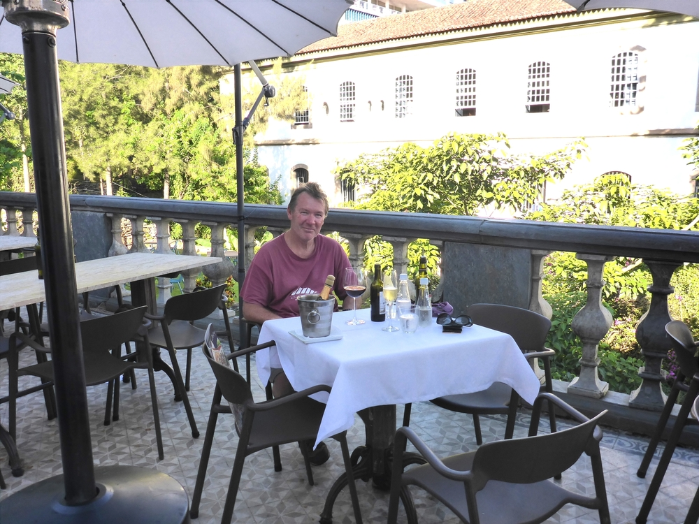 the deck at o passo restaurant
