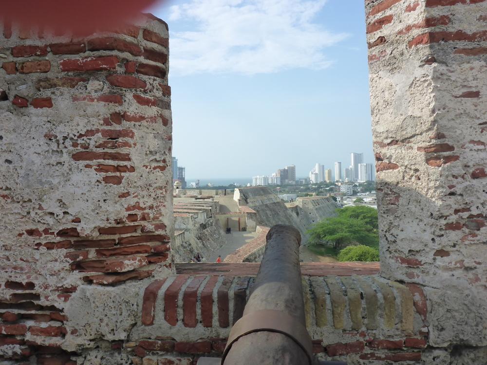 canon - castillo de san felipe