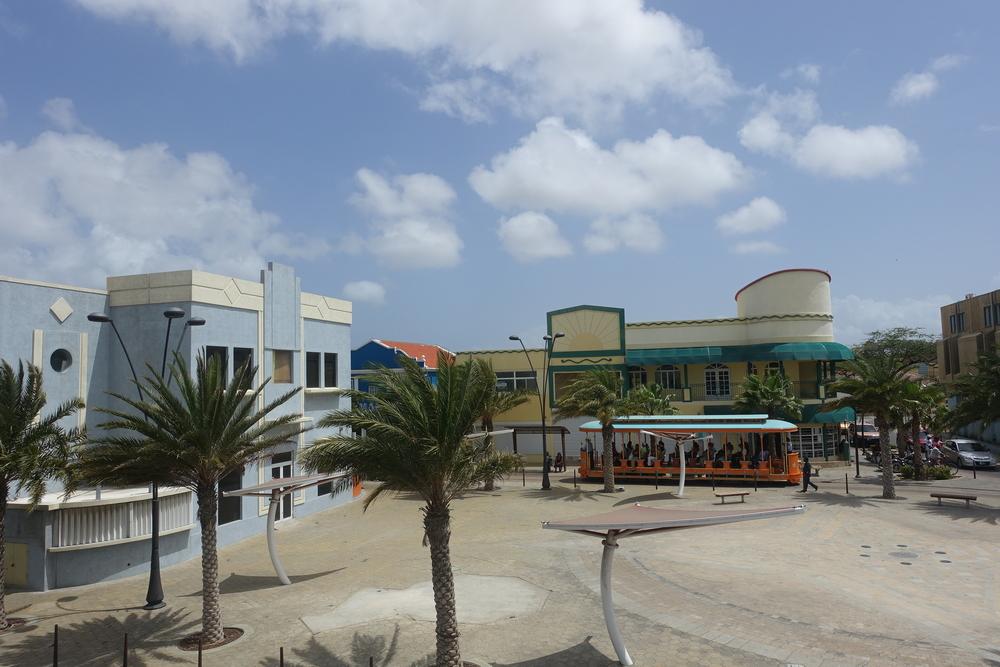 Oranjestad's free tram