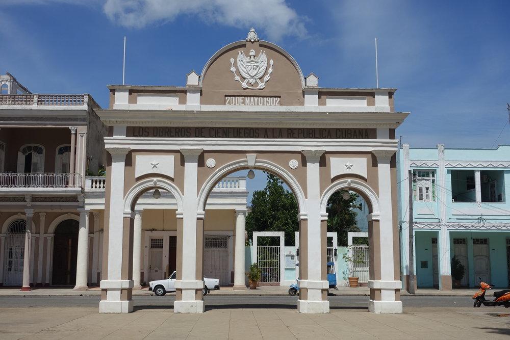 arch de triumph of cienfuegos