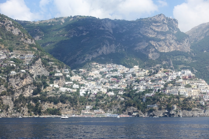coming into positano