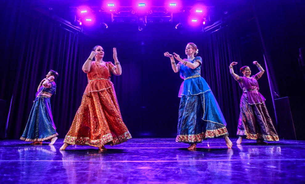 2015-Bolly-Beat-Dance-School-Kathak-2.jpg