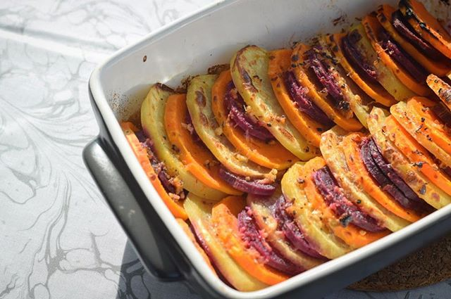 Tri-colored potatoes ❤️ Yellow, orange, and purple 🙏🏻 Delish! Who's made this before?