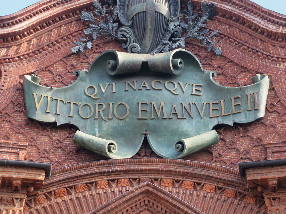 255_IMG_0222_piazza_carignano_vittorio_emanuele_mod.jpg